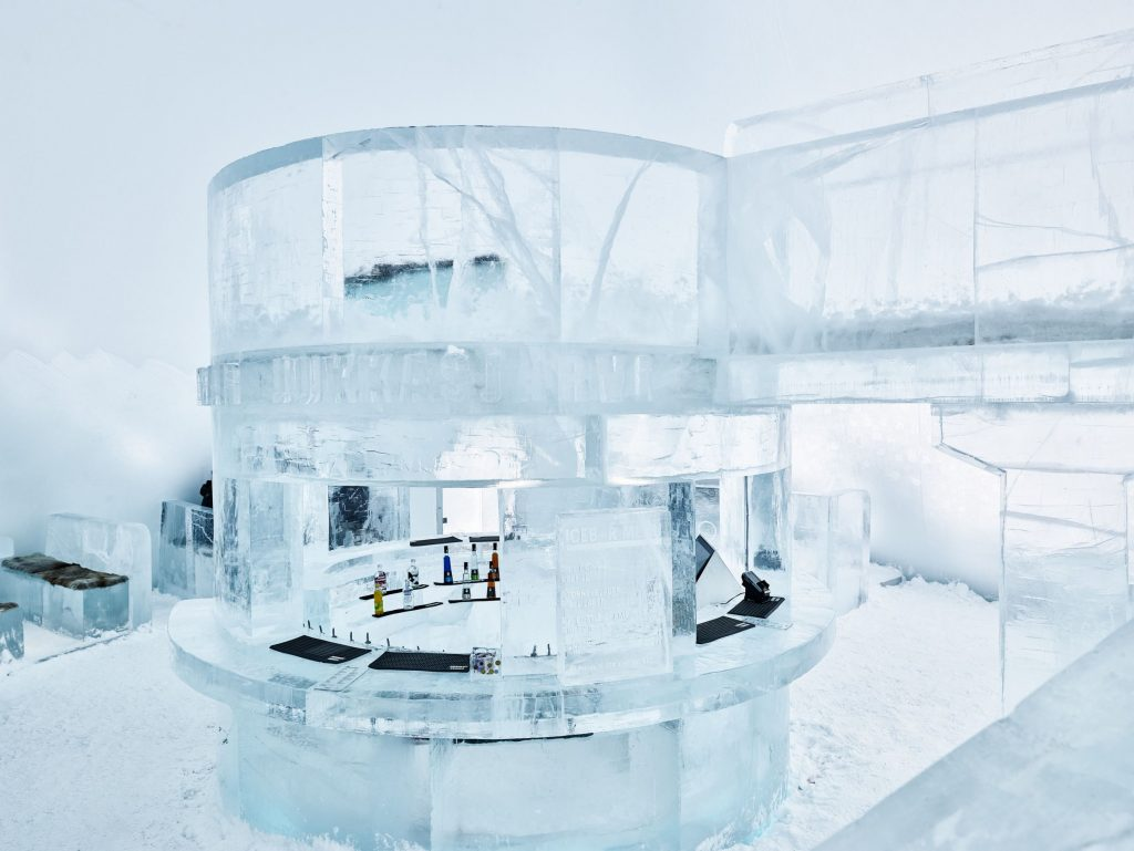 hans-olof_utsi-ice_bar_at_ice hotel