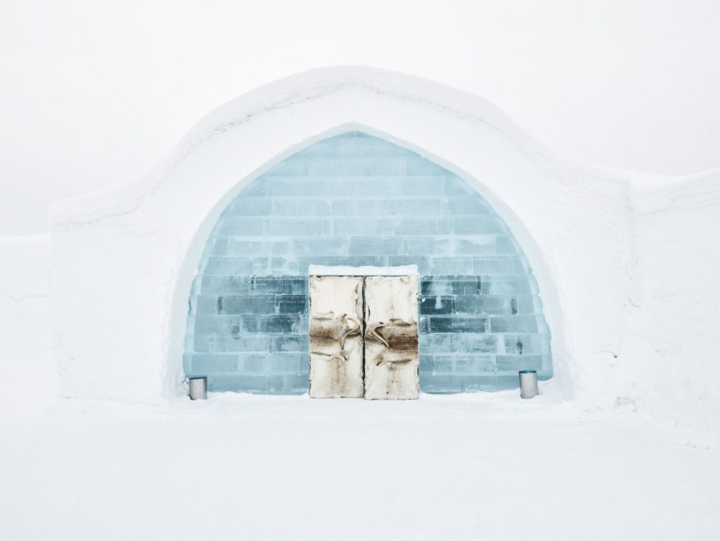 entry-to-ice hotel-northern-sweden