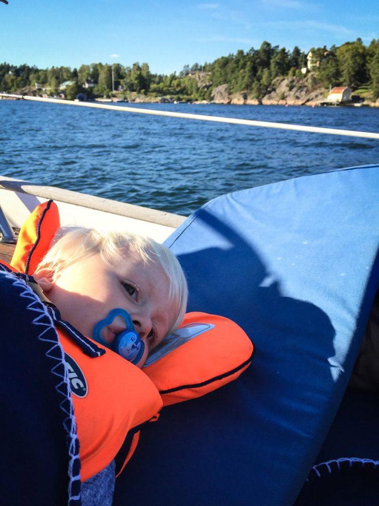 stockholm-archipelago-sailing-leif-resting