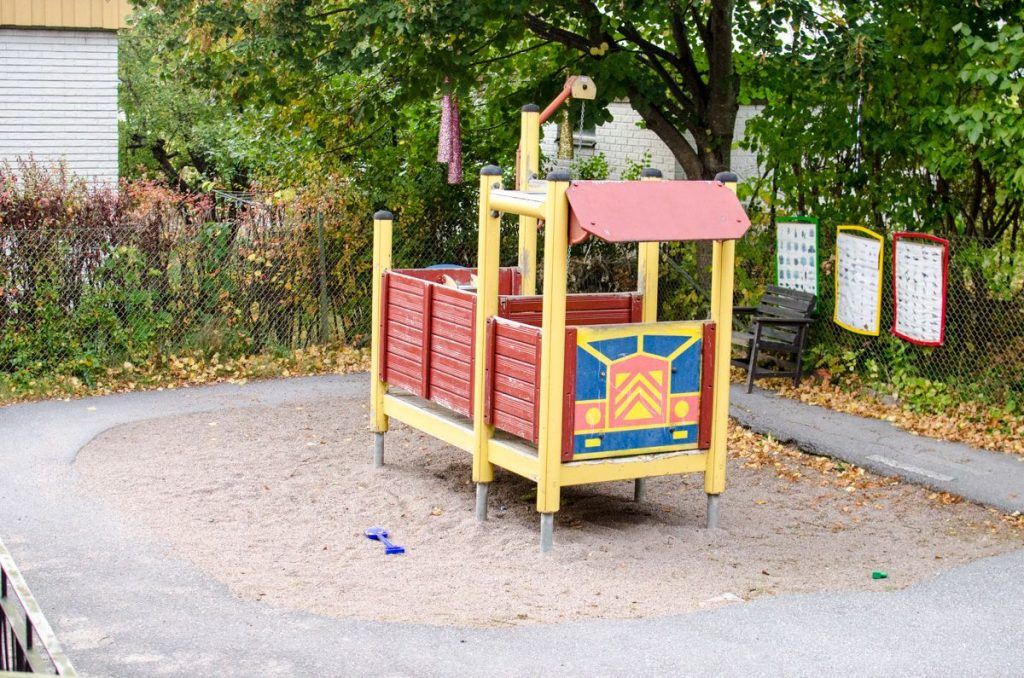 preschool-in-sweden-bus-play-structure