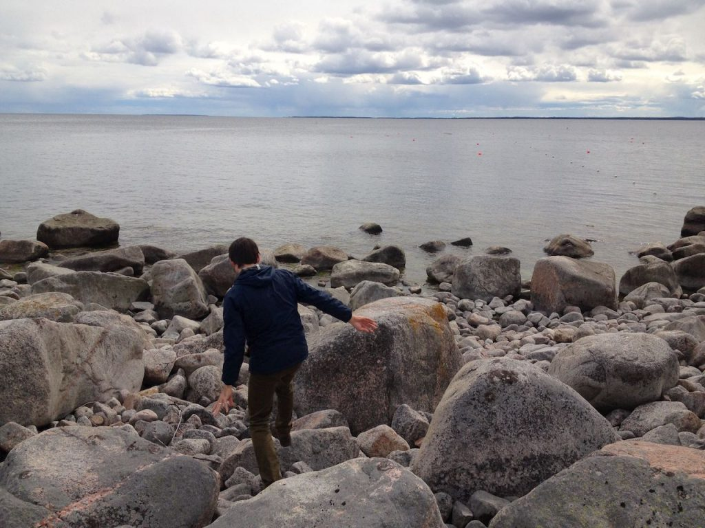 climbing rocks to baltic sea