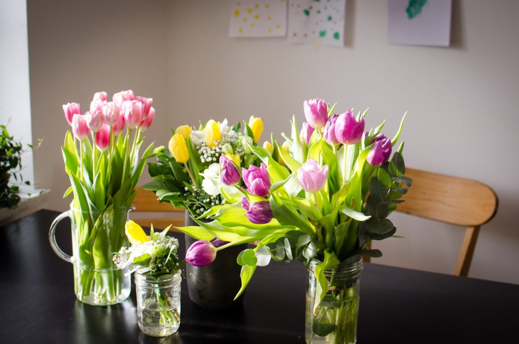 Flowers for the early days at home with newborn