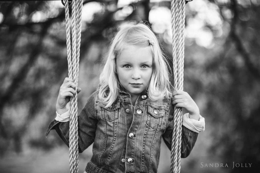 Sandra-Jolly-photography-girl-swinging