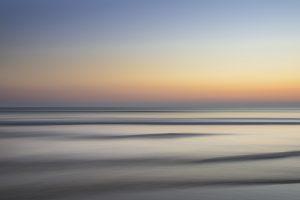 Calm-sea-horizon