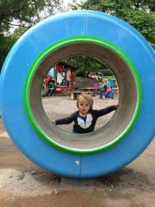 August-playing-park-Stockholm-Kungsholmen