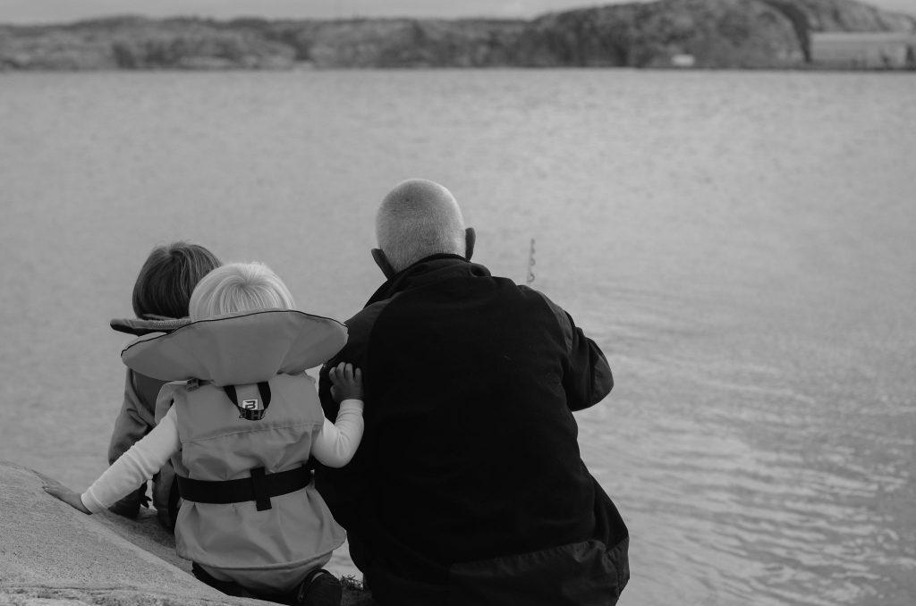 henrik-boys-fishing