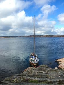 boat-moored-at-flatholmen