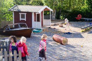 preschool-in-sweden-kids-playing