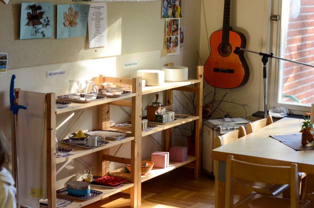 preschool-in-sweden-montessori-shelves