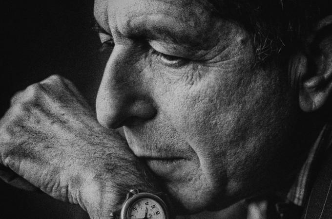 Leonard Cohen black and white