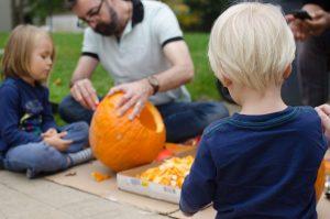 Carvin pumpkins