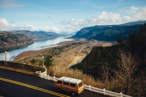 Mountains and river in Oregon